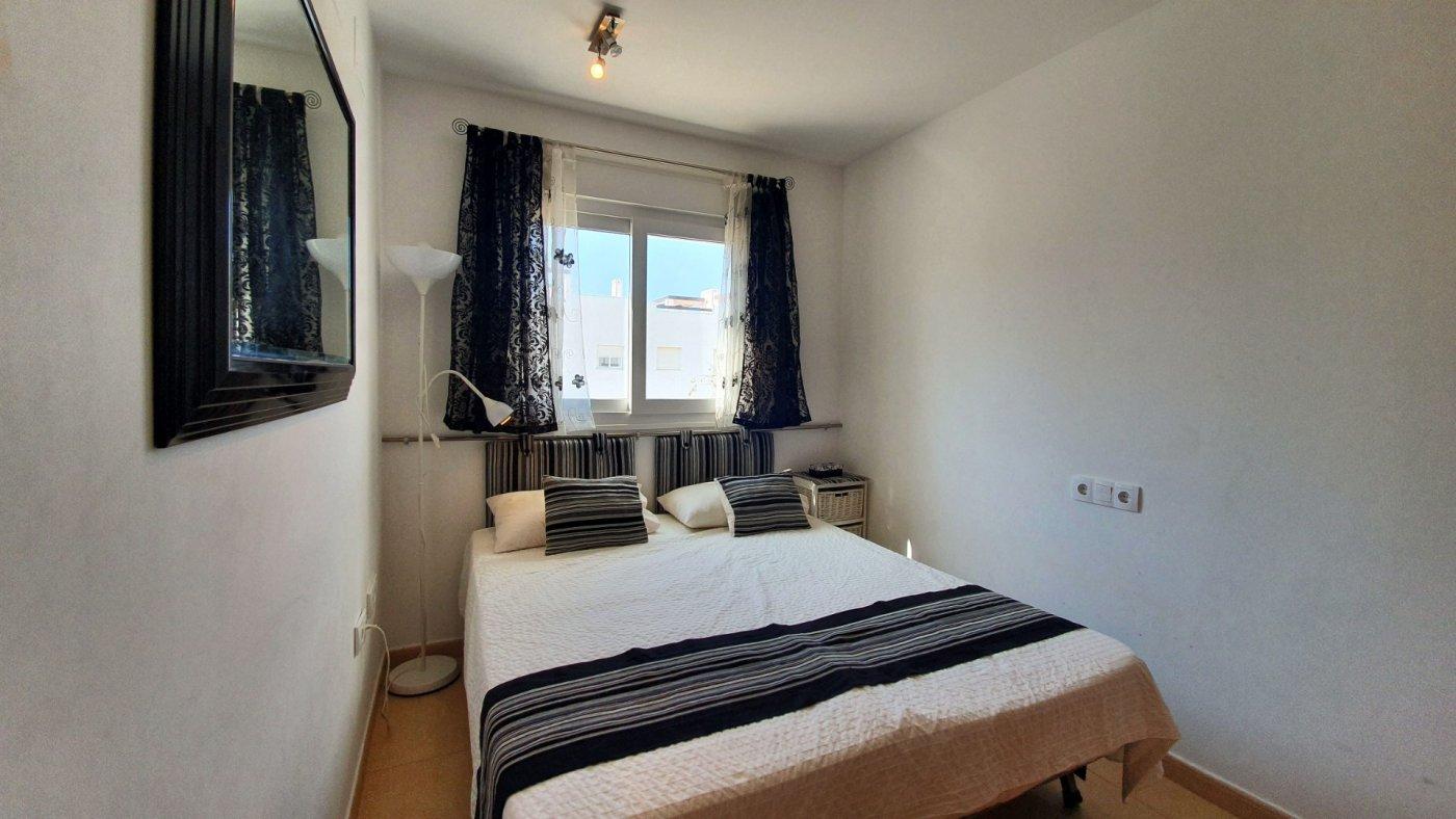Imagen de la galería 3 of Apartamento de 2 dormitorios con terraza en la azotea, con vista a la piscina y cerca de todo