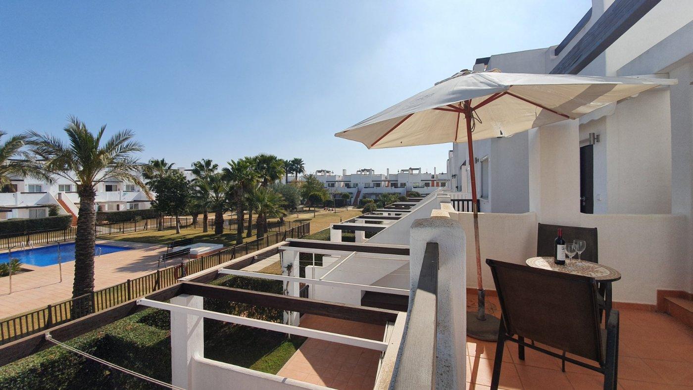 Imagen de la galería 5 of Apartamento de 2 dormitorios con terraza en la azotea, con vista a la piscina y cerca de todo