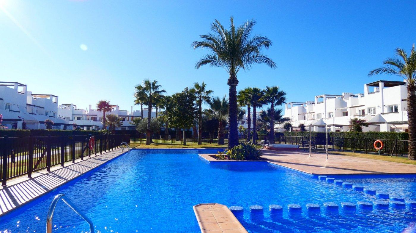 Imagen de la galería 6 of Apartamento de 2 dormitorios con terraza en la azotea, con vista a la piscina y cerca de todo