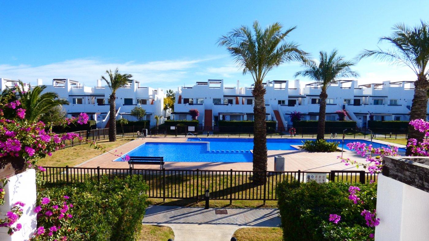 Imagen de la galería 7 of Apartamento de 2 dormitorios con terraza en la azotea, con vista a la piscina y cerca de todo