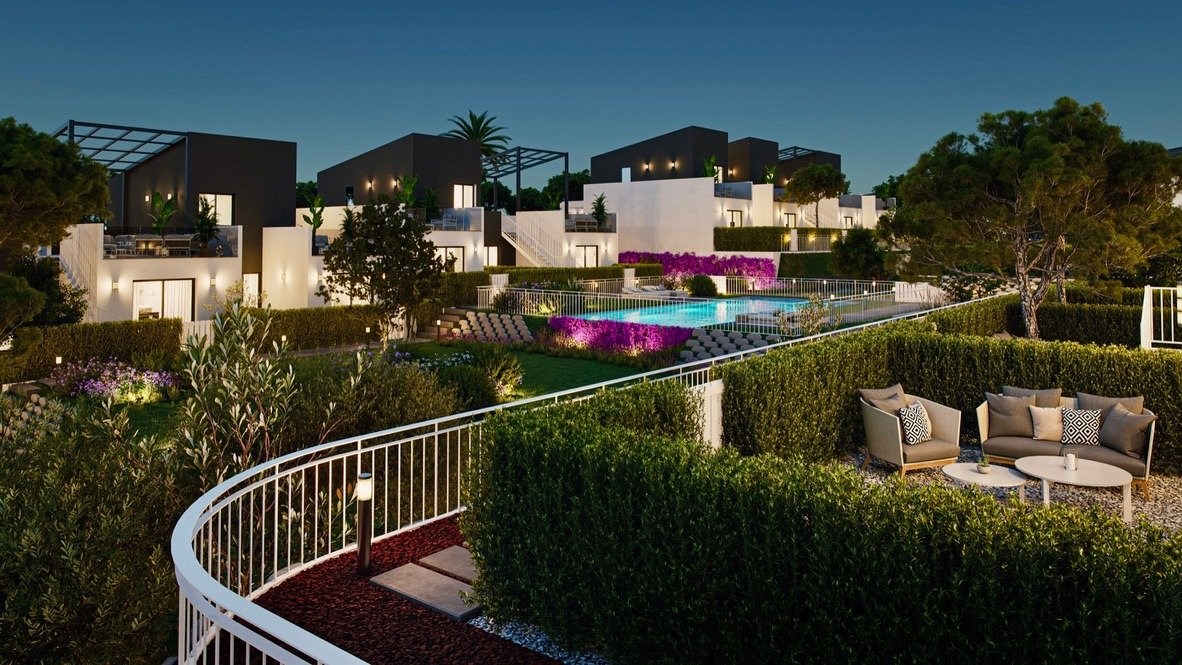 Gallery Image 12 of Lovely well designed Townhouse, on golf course, close to Murcia and the beaches.