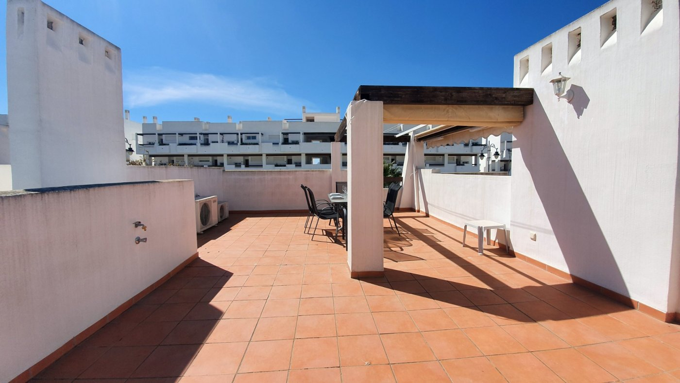 Gallery Image 10 of Immaculate 2 Bedroom Apartment with Roof Terrace, Stunning Panoramic Views, Communal Pool