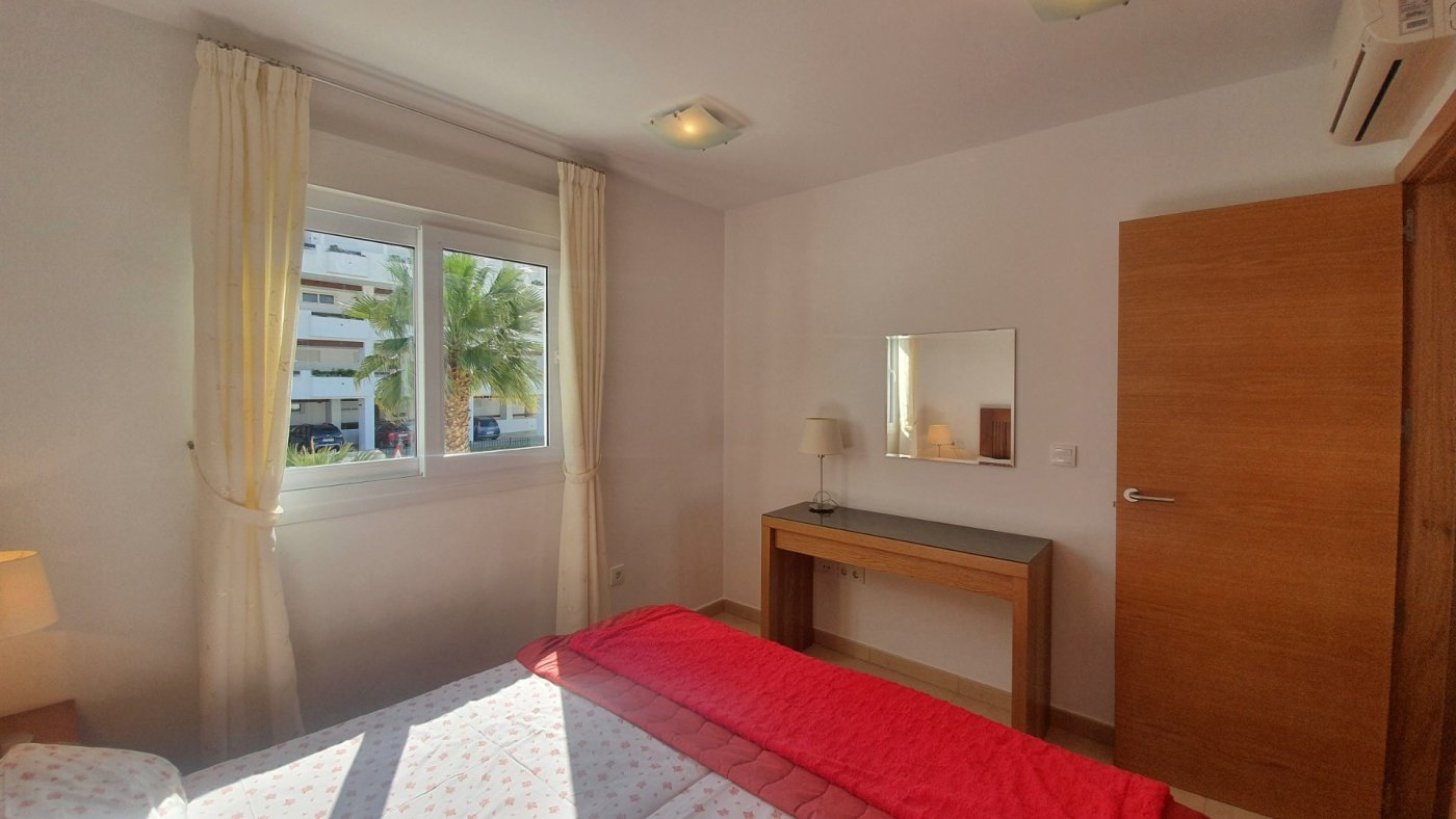 Gallery Image 12 of Immaculate 2 Bedroom Apartment with Roof Terrace, Stunning Panoramic Views, Communal Pool