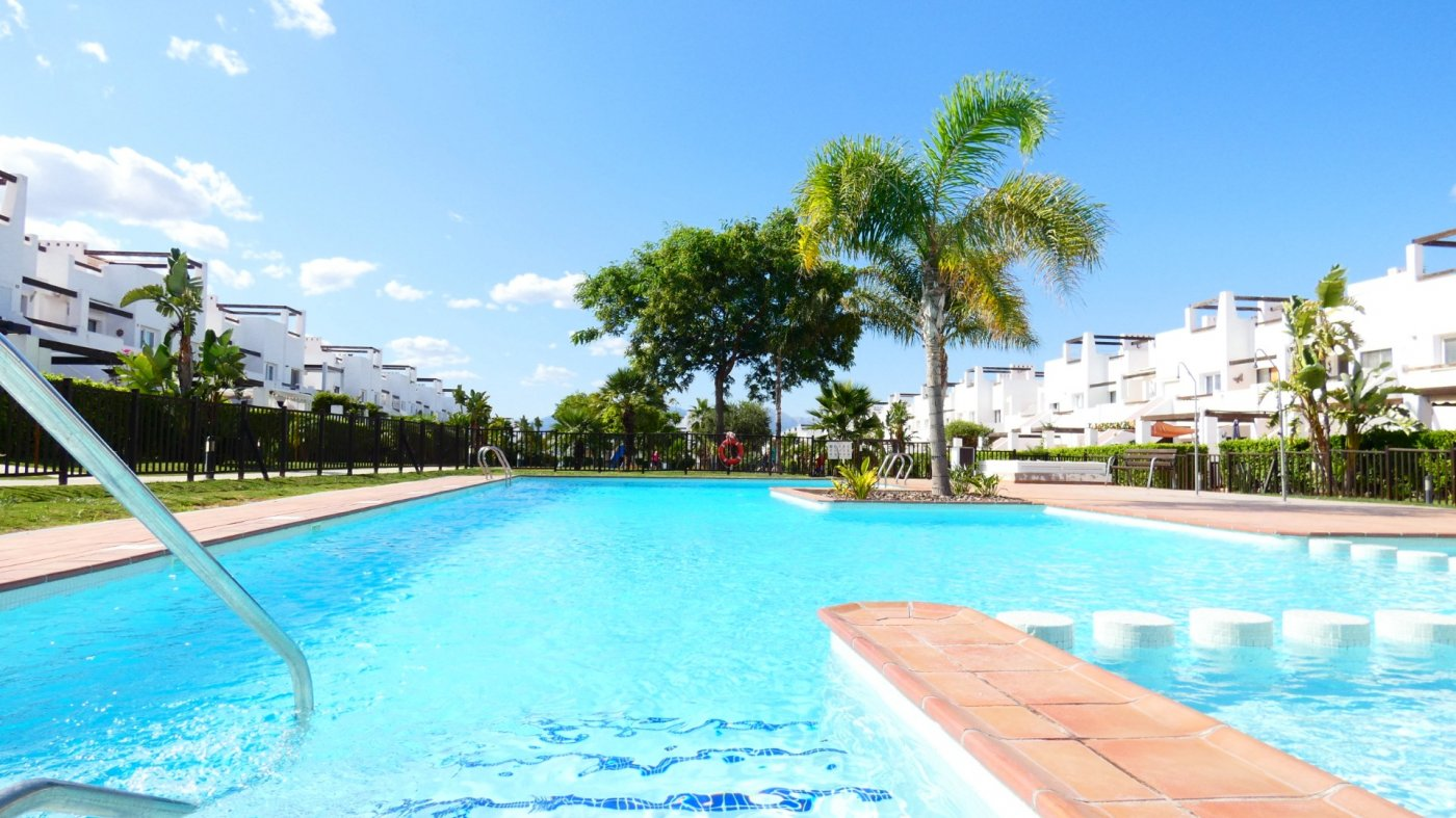 Gallery Image 1 of Immaculate 2 Bedroom Apartment with Roof Terrace, Stunning Panoramic Views, Communal Pool