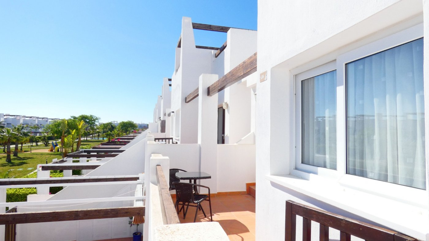 Gallery Image 2 of Immaculate 2 Bedroom Apartment with Roof Terrace, Stunning Panoramic Views, Communal Pool