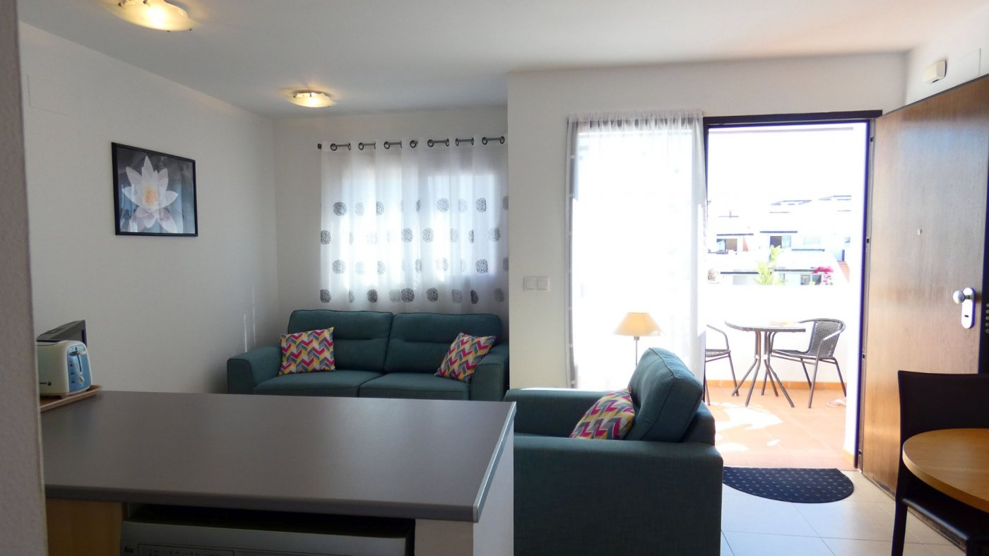Gallery Image 3 of Immaculate 2 Bedroom Apartment with Roof Terrace, Stunning Panoramic Views, Communal Pool