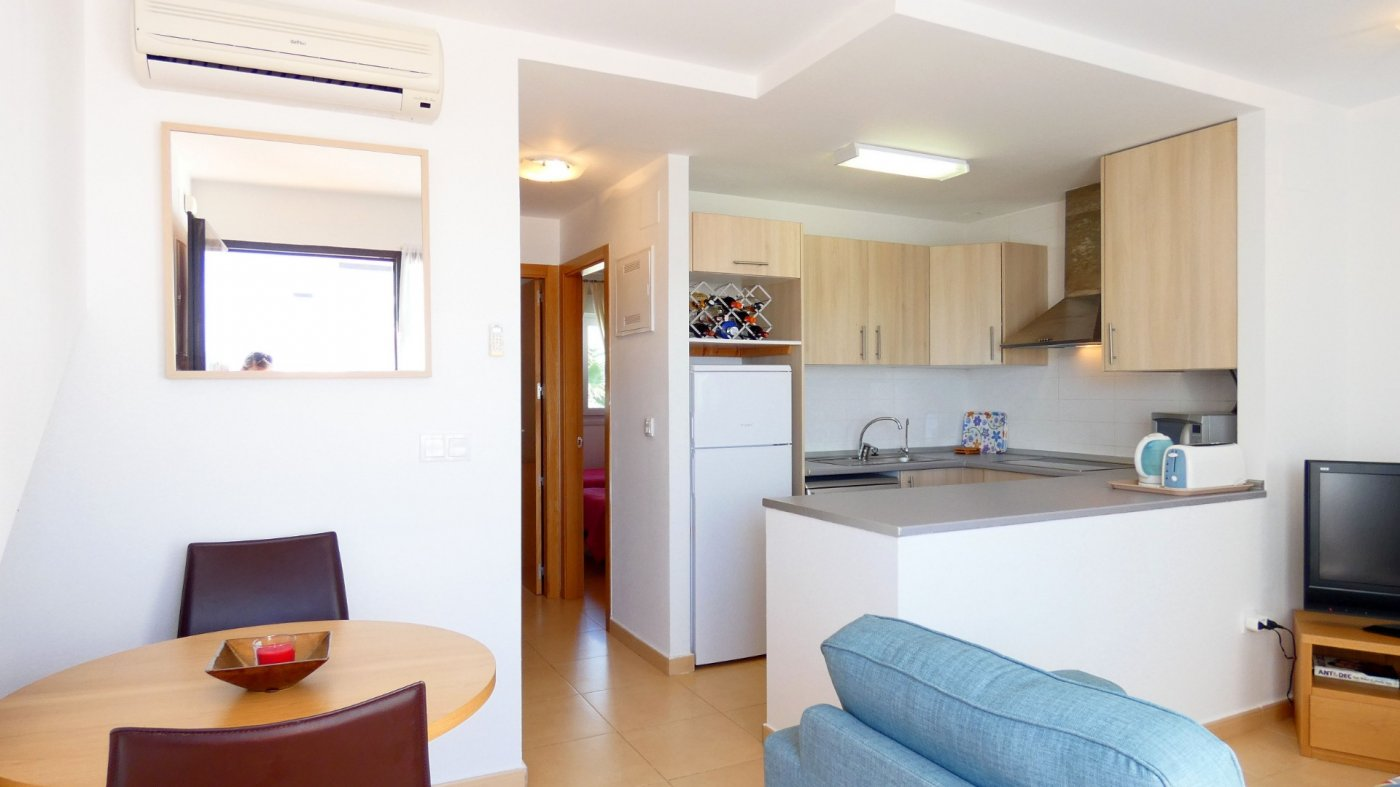 Gallery Image 5 of Immaculate 2 Bedroom Apartment with Roof Terrace, Stunning Panoramic Views, Communal Pool