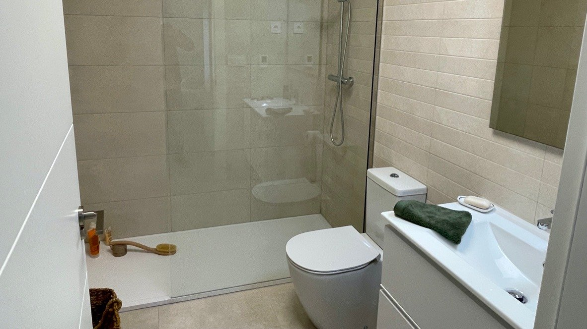 Gallery Image 7 of Nice new 2 bed house with private pool on lovely golf resort