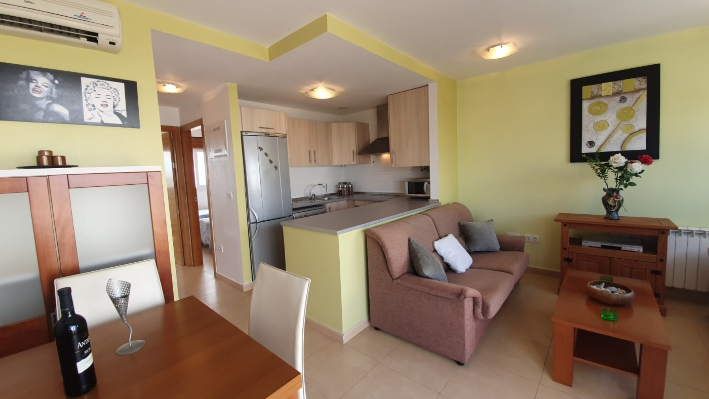 Imagen de la galería 2 of Precioso ático de 2 dormitorios en Jardin 13 con solarium y vistas panoramicas