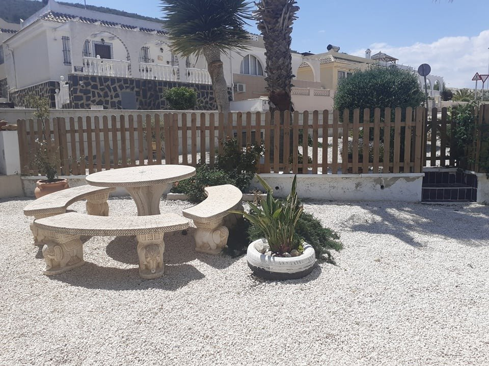 Gallery Image 7 of IF YOU ARE LOOKING FOR A PROPERTY WITH PLENTY OF OUTDOOR SPACE THEN LOOK NO FURTHER!!