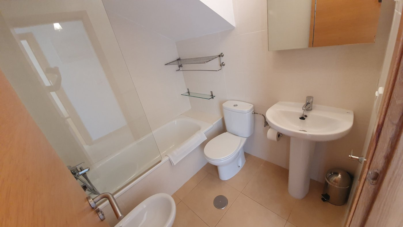 Gallery Image 13 of Immaculate 2 Bedroom Apartment with Pool Views and Roof Terrace in Jardin 9, Condado de Alhama