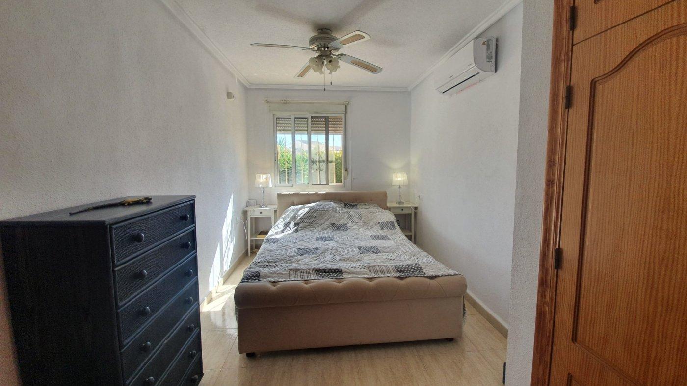 Gallery Image 13 of Chalet con piscina con 2 dormitorios en parcela de 700 metros