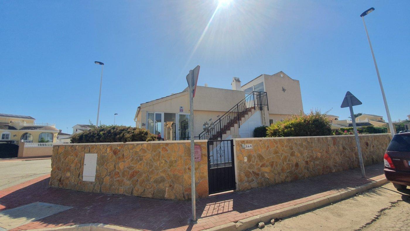 Gallery Image 14 of Chalet con piscina con 2 dormitorios en parcela de 700 metros