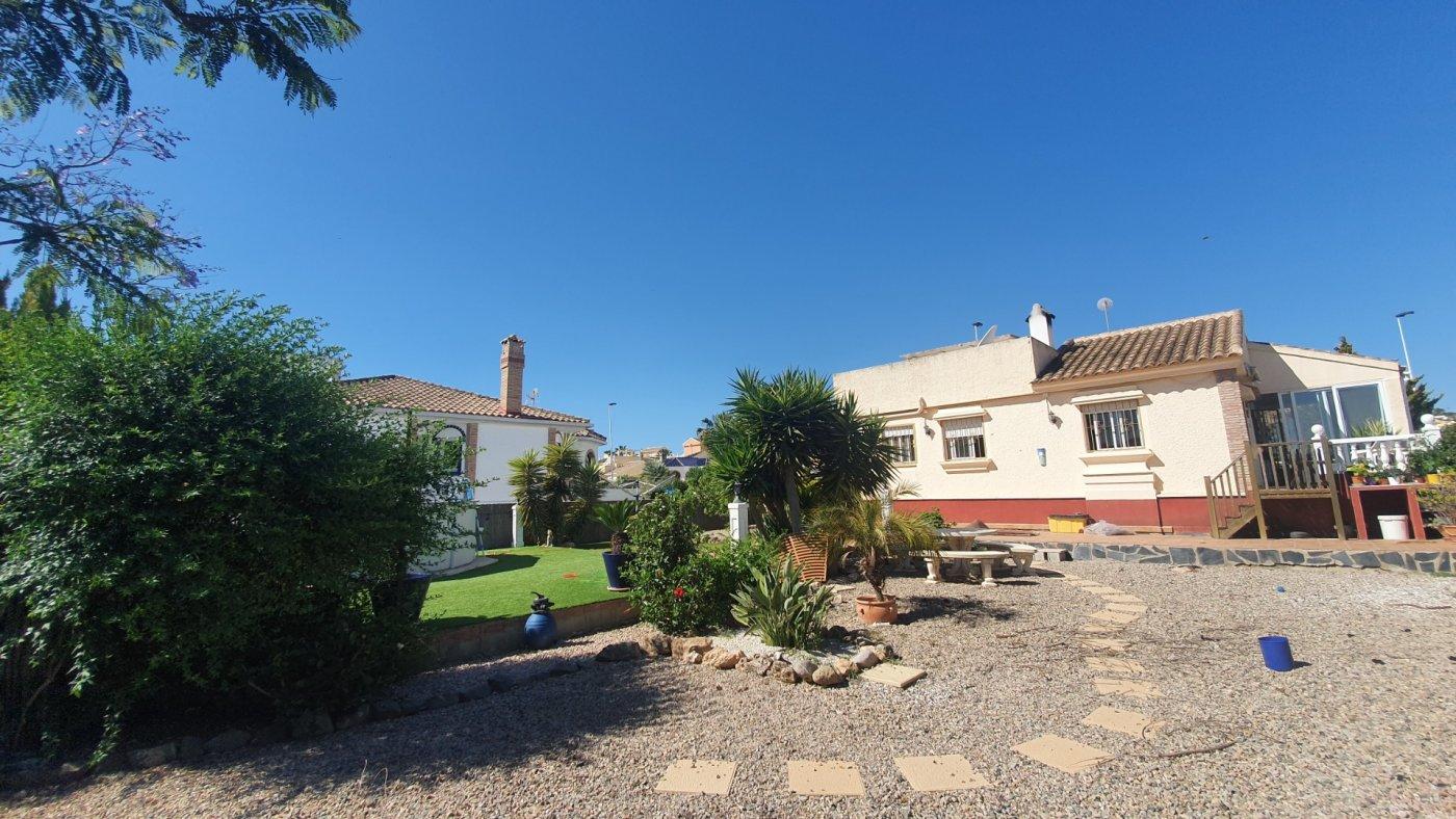 Imagen de la galería 4 of Chalet con piscina con 2 dormitorios en parcela de 700 metros