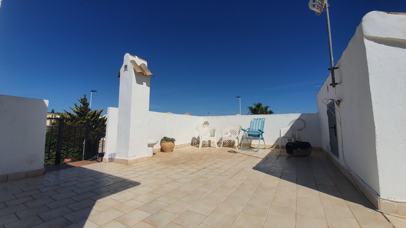 Imagen de la galería 8 of Chalet con piscina con 2 dormitorios en parcela de 700 metros