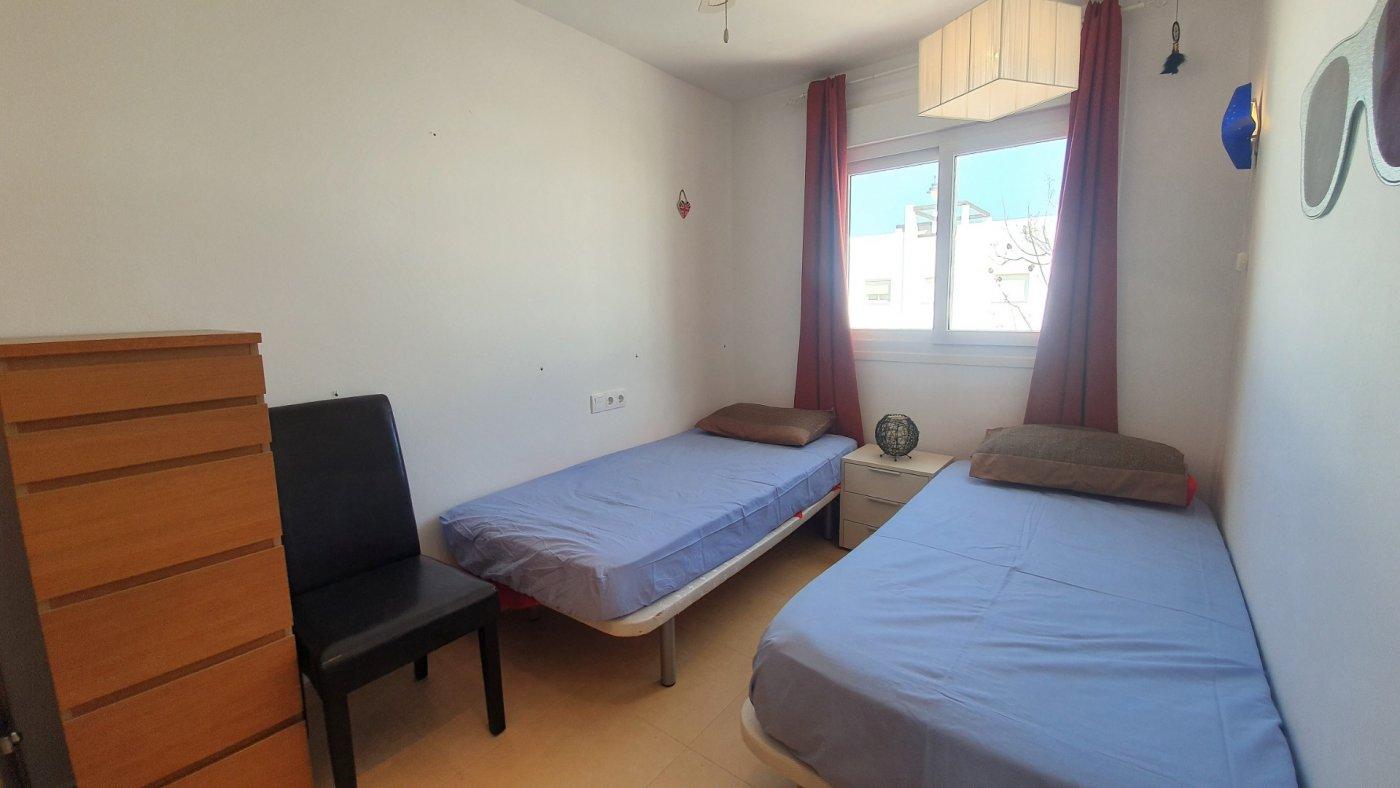 Gallery Image 11 of Espectacular atico de 2 dormitorios con terraza y gran solarium y piscina comunitaria en Naranjos 6