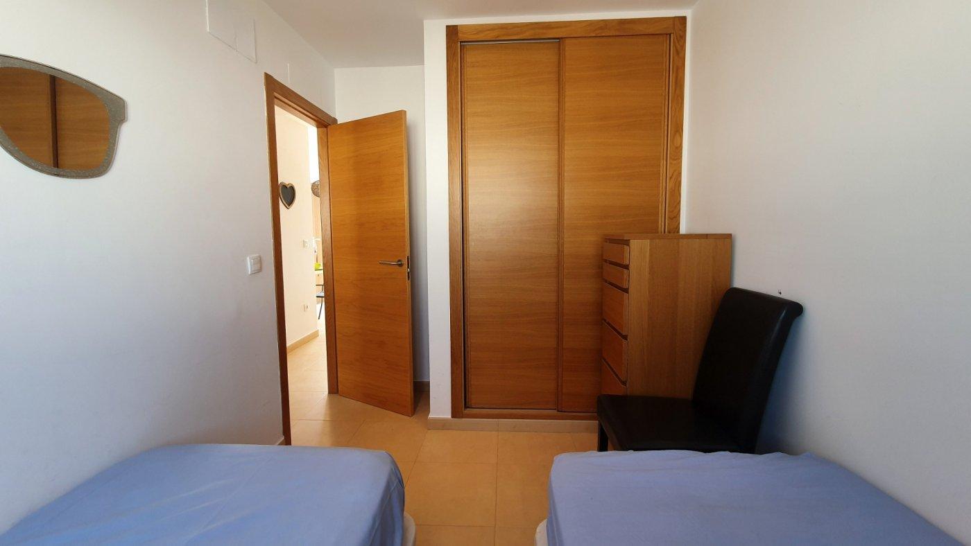 Gallery Image 12 of Espectacular atico de 2 dormitorios con terraza y gran solarium y piscina comunitaria en Naranjos 6