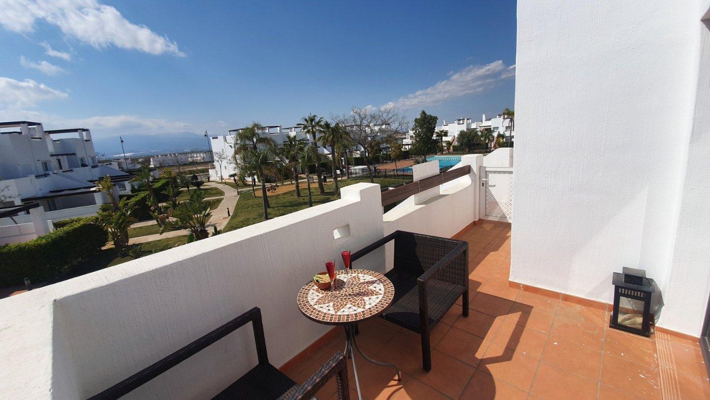 Gallery Image 18 of Espectacular atico de 2 dormitorios con terraza y gran solarium y piscina comunitaria en Naranjos 6