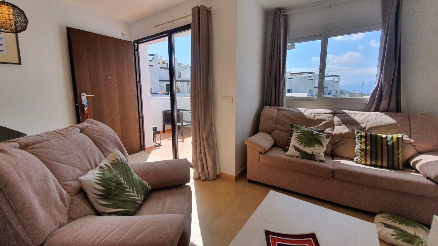 Imagen de la galería 5 of Espectacular atico de 2 dormitorios con terraza y gran solarium y piscina comunitaria en Naranjos 6