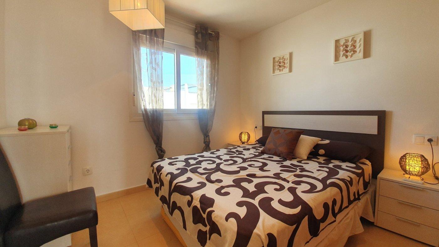 Imagen de la galería 6 of Espectacular atico de 2 dormitorios con terraza y gran solarium y piscina comunitaria en Naranjos 6
