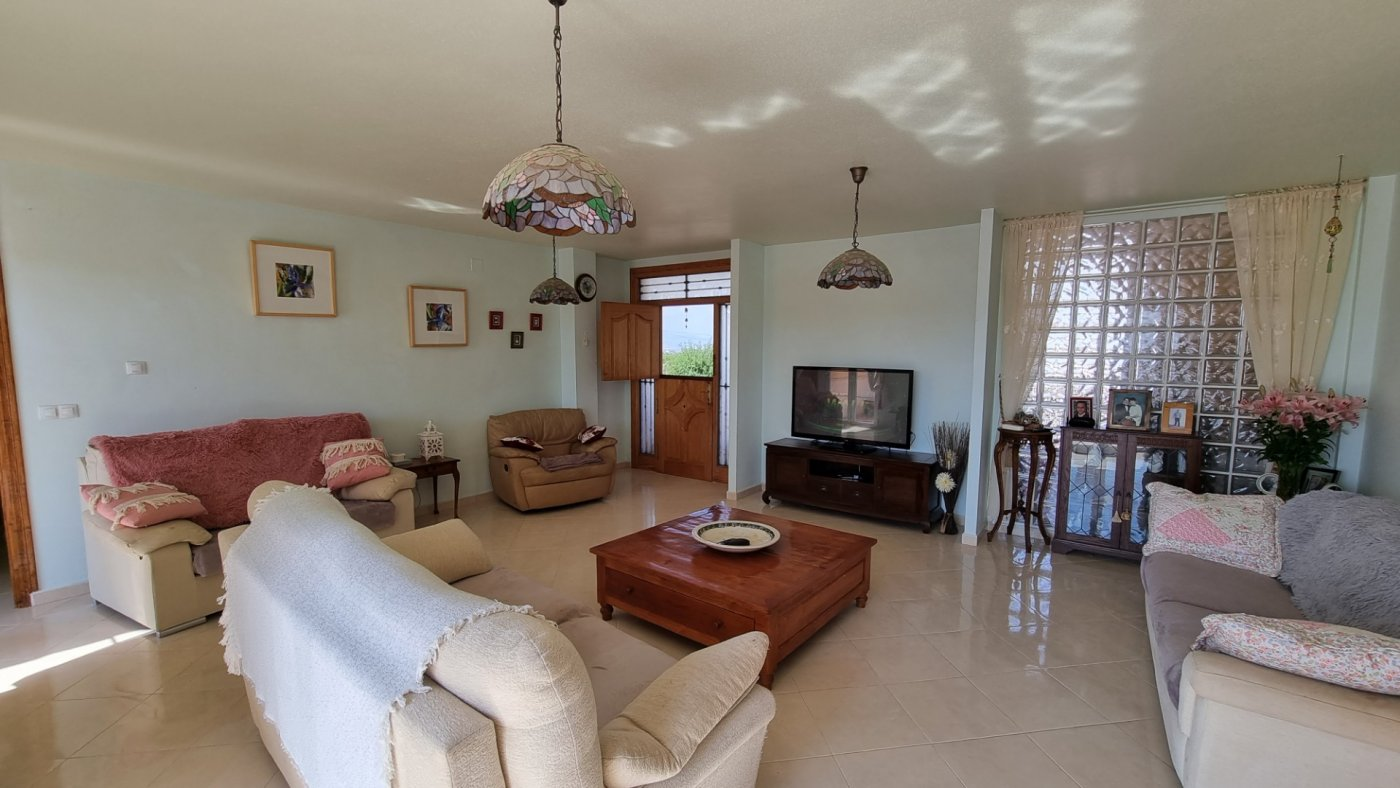 Gallery Image 7 of 5 BEDROOMED PROPERTY IN A BEAUTIFUL RURAL LOCATION