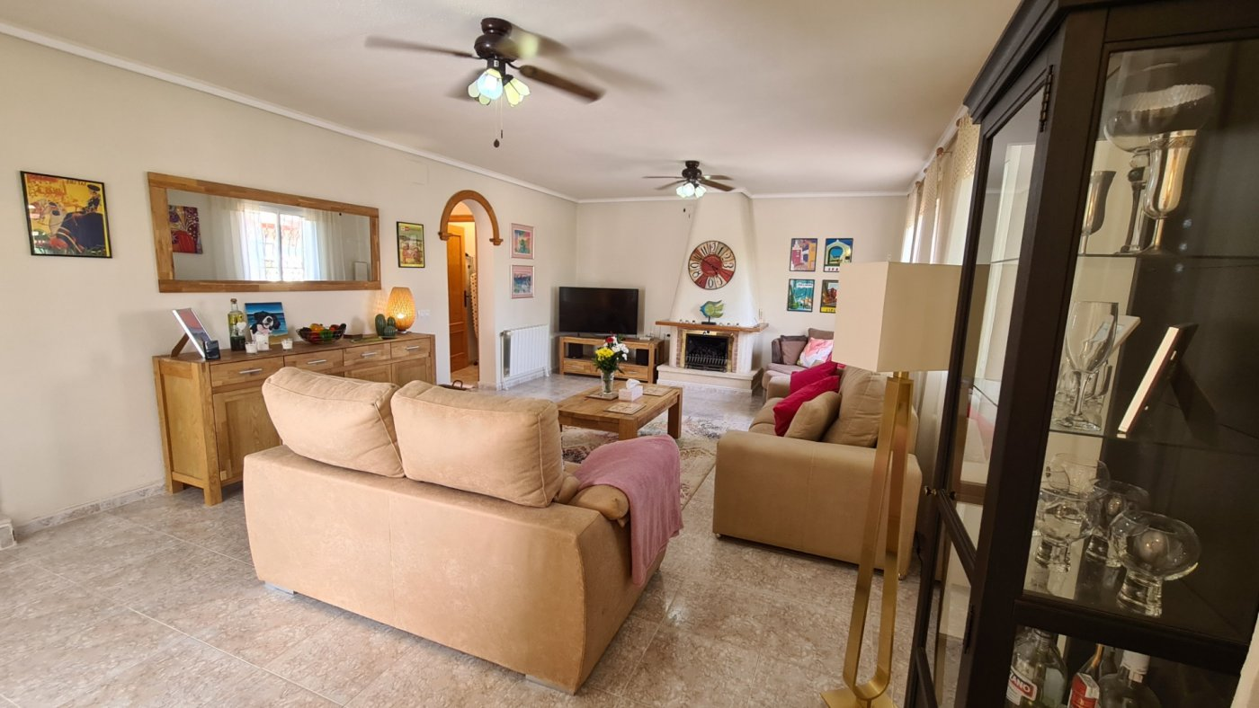 Gallery Image 12 of A one-of-a-kind property in exceptional condition!  ABSOLUTELY TURNKEY!!