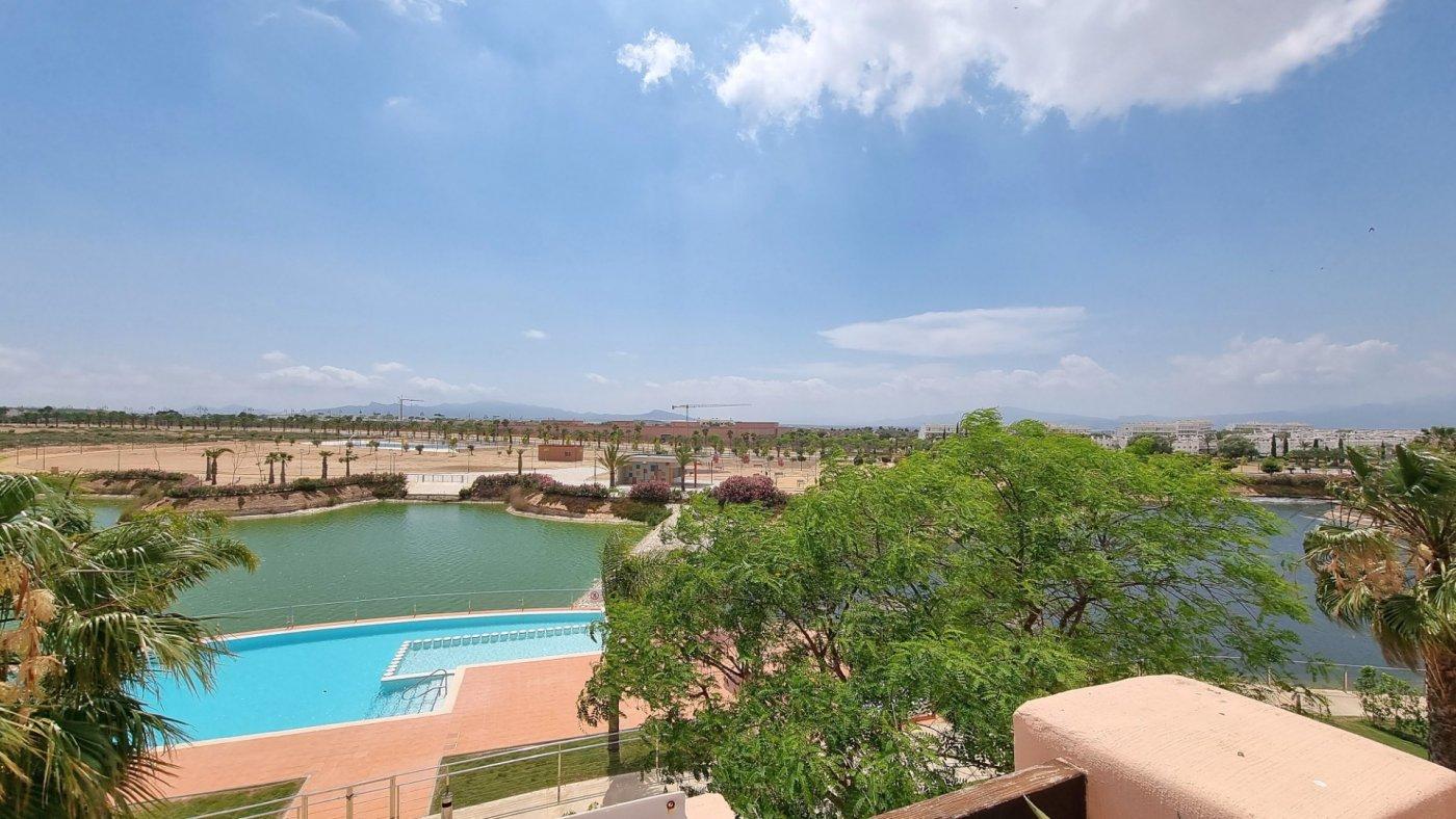 Gallery Image 19 of Apartamento de 3 dormitorios con terraza de 70m y vistas al lago en La Isla del Condado
