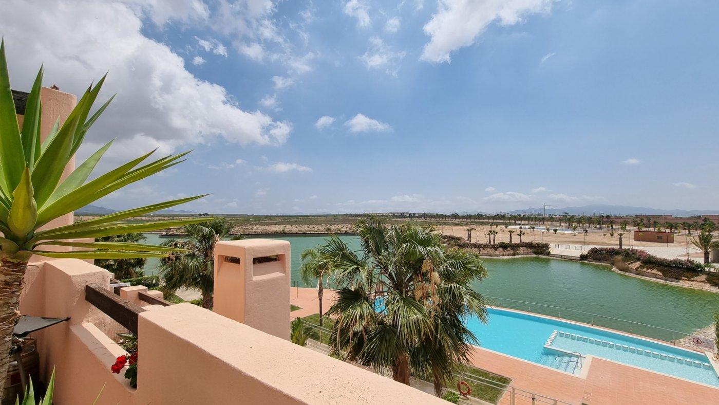 Gallery Image 20 of Apartamento de 3 dormitorios con terraza de 70m y vistas al lago en La Isla del Condado
