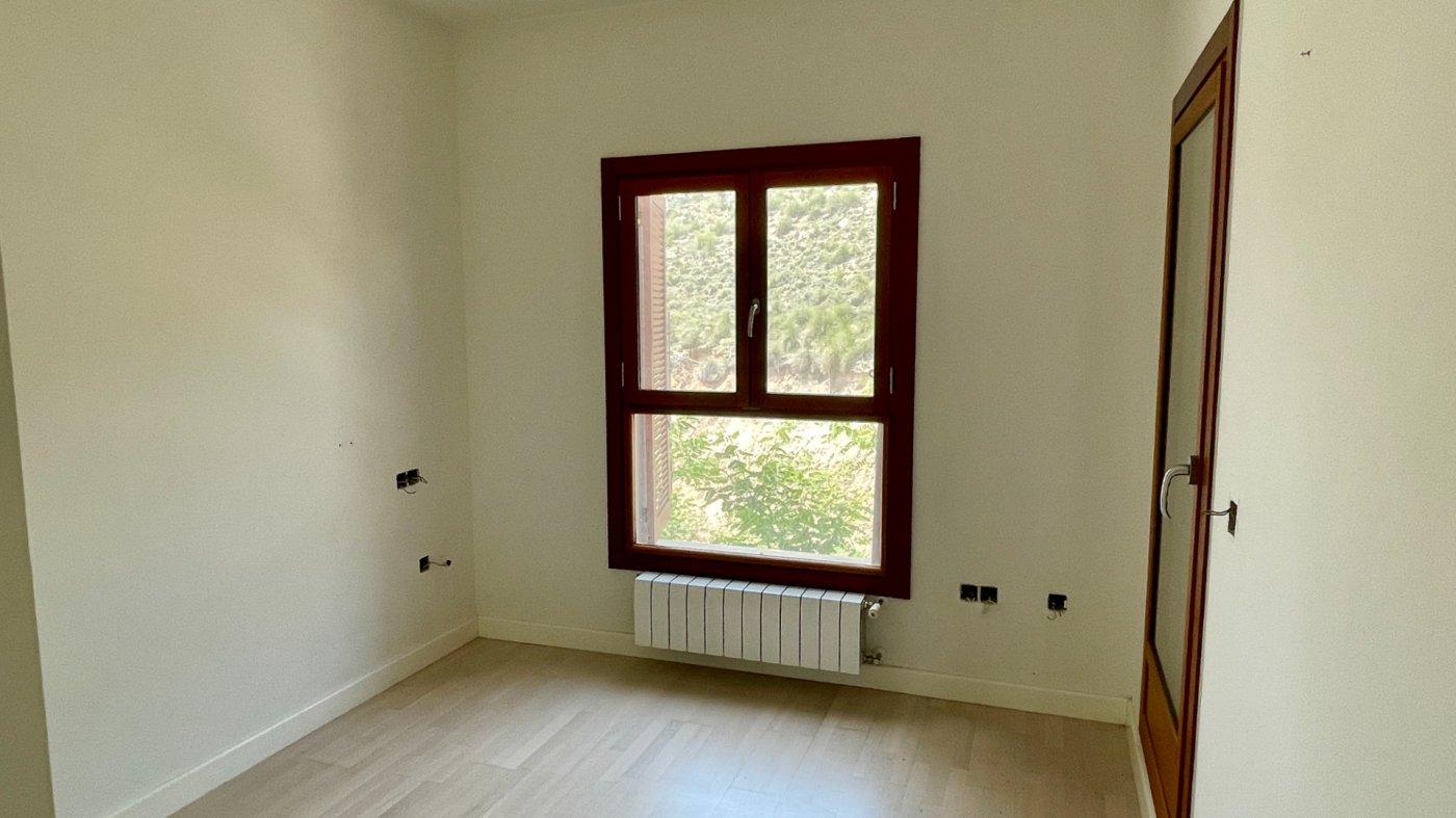 Gallery Image 15 of Hermosa vista, terraza grande de 28 m2, 2 dormitorios, 2 baños, 2do piso en El Valle Golf