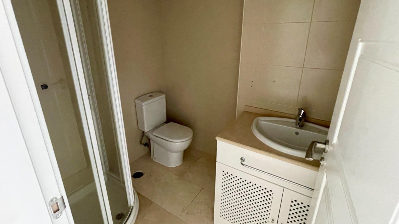 Gallery Image 17 of Hermosa vista, terraza grande de 28 m2, 2 dormitorios, 2 baños, 2do piso en El Valle Golf