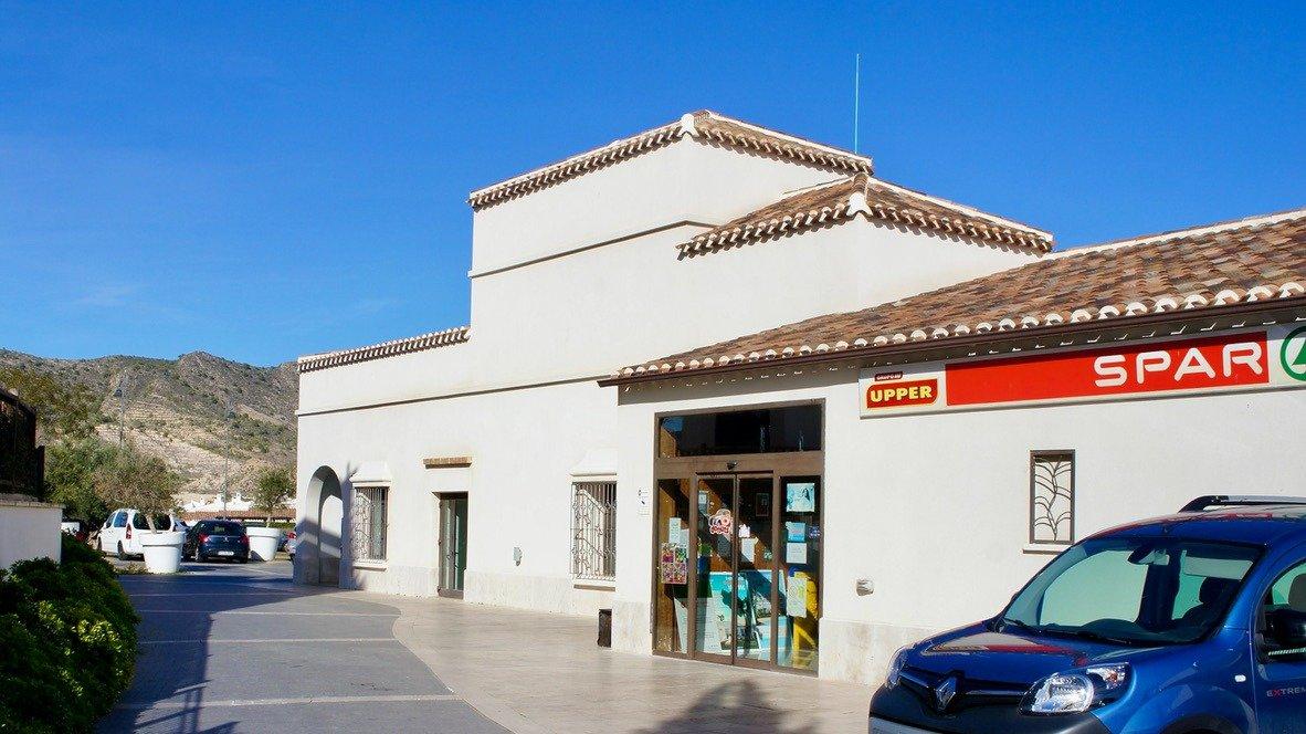 Gallery Image 26 of Hermosa vista, terraza grande de 28 m2, 2 dormitorios, 2 baños, 2do piso en El Valle Golf