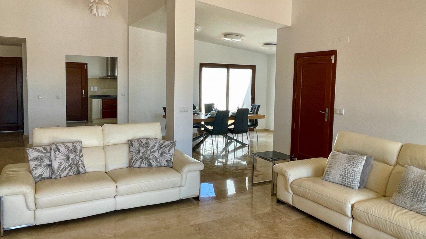 Gallery Image 12 of Absolutamente increíble gran villa en primera línea en El Valle Golf Resort
