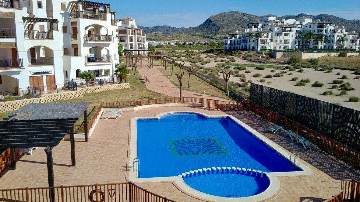 Galleribillede 2 of Fantastisk golf og pool fra 3 værelses lejlighed med 2 badeværelser  på El Valle Golf Resort