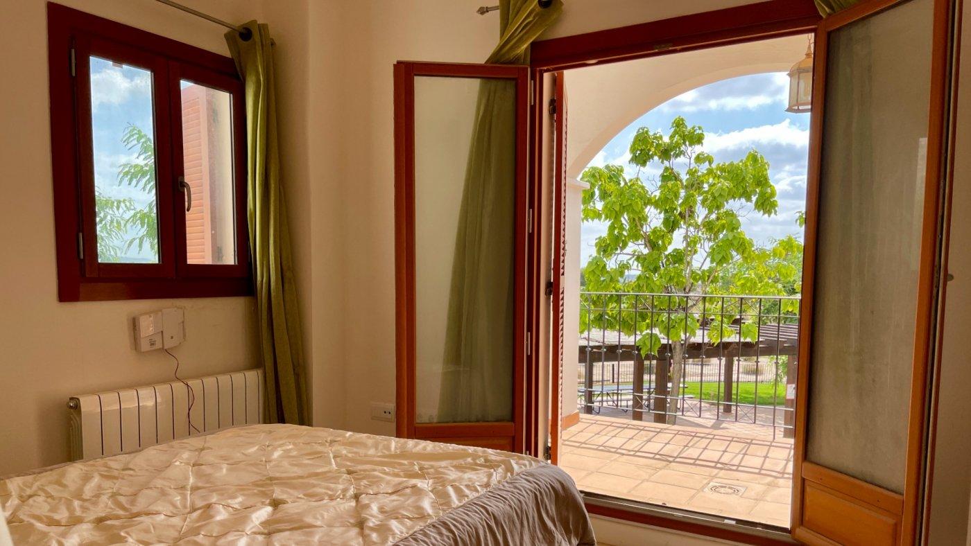 Galleribillede 11 of Kæmpe overdækket terrasse - 3 vær med 2 bad, golf udsigt på El Valle Golf Resort