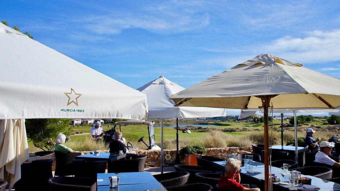 Galleribillede 27 of Kæmpe overdækket terrasse - 3 vær med 2 bad, golf udsigt på El Valle Golf Resort