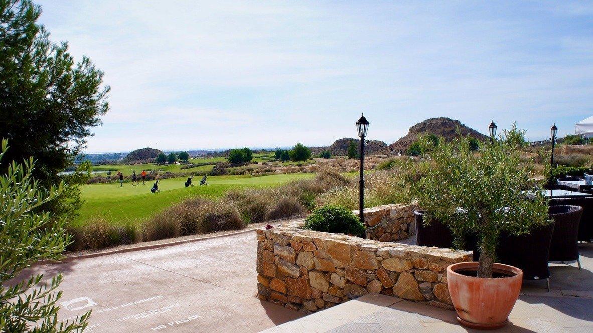 Galleribillede 29 of Kæmpe overdækket terrasse - 3 vær med 2 bad, golf udsigt på El Valle Golf Resort