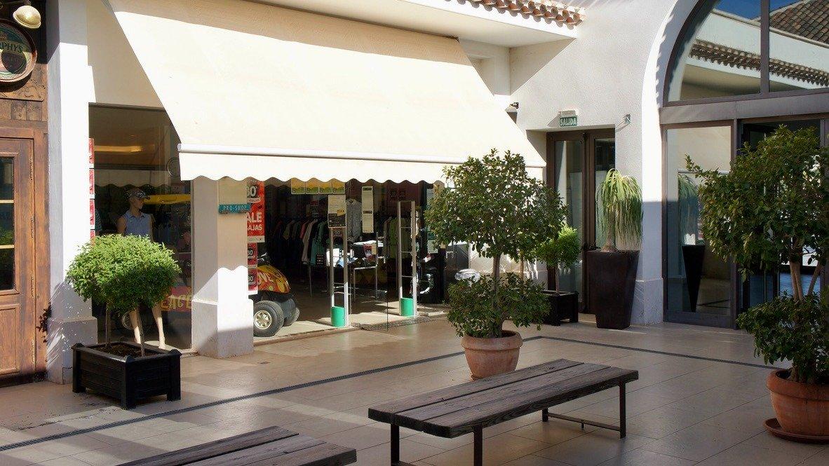 Galleribillede 29 of Stor 38 m2 terrasse, udsigt til golfbanen - 3 vær med 2 bad,  El Valle Golf Resort