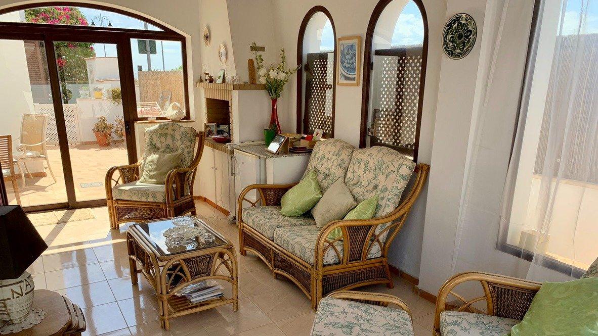 Galleribillede 16 of Velholdt 4 værelses et plans villa på hjørne grund med egen pøl på El Valle Golf Resort
