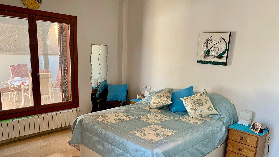 Galleribillede 18 of Velholdt 4 værelses et plans villa på hjørne grund med egen pøl på El Valle Golf Resort