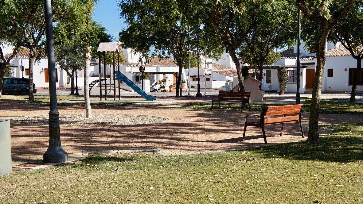 Galleribillede 36 of Velholdt 4 værelses et plans villa på hjørne grund med egen pøl på El Valle Golf Resort