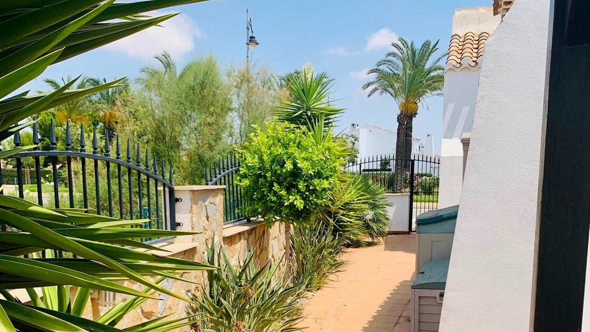 Gallery Image 3 of Nice south west facing 3 bed corner villa with private pool on El Valle Golf Resort