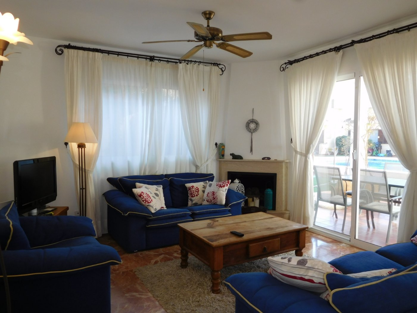 Gallery Image 2 of Casa For rent in Los Naranjos, La Manga Club With Pool