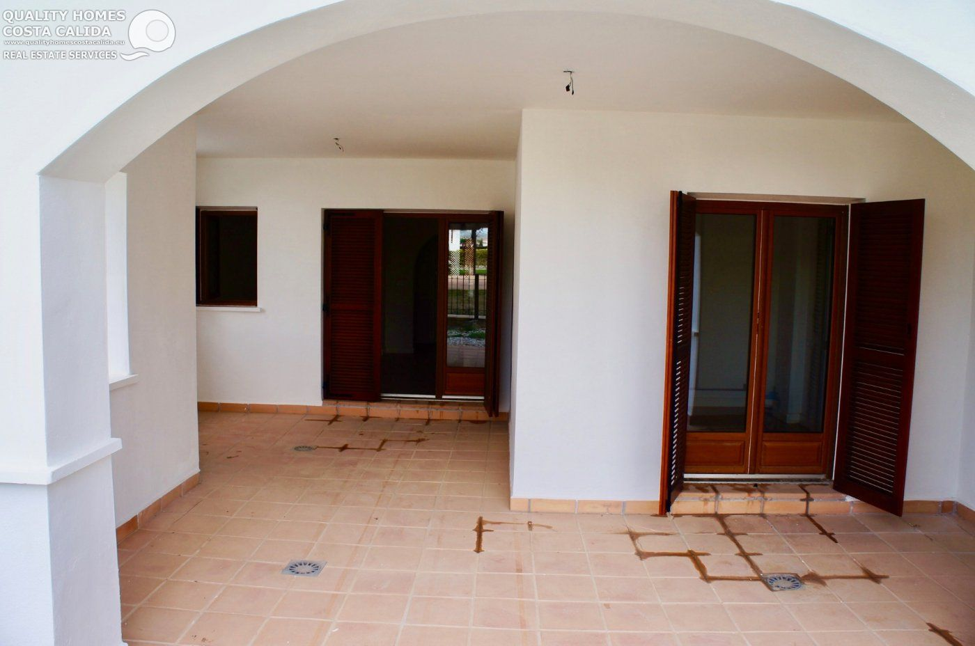 Gallery Image 2 of Garden flat with pool view, 2 bed and 2 bath in lovely Golf Resort