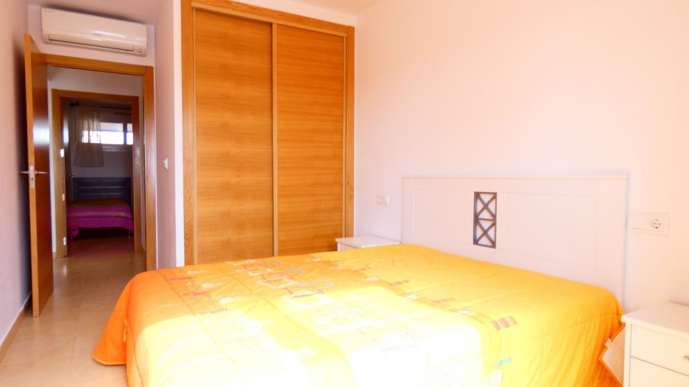 Gallery Image 10 of Bright and South-West facing 2 bedroom apartment in La Isla, with prime views and afternoon sun