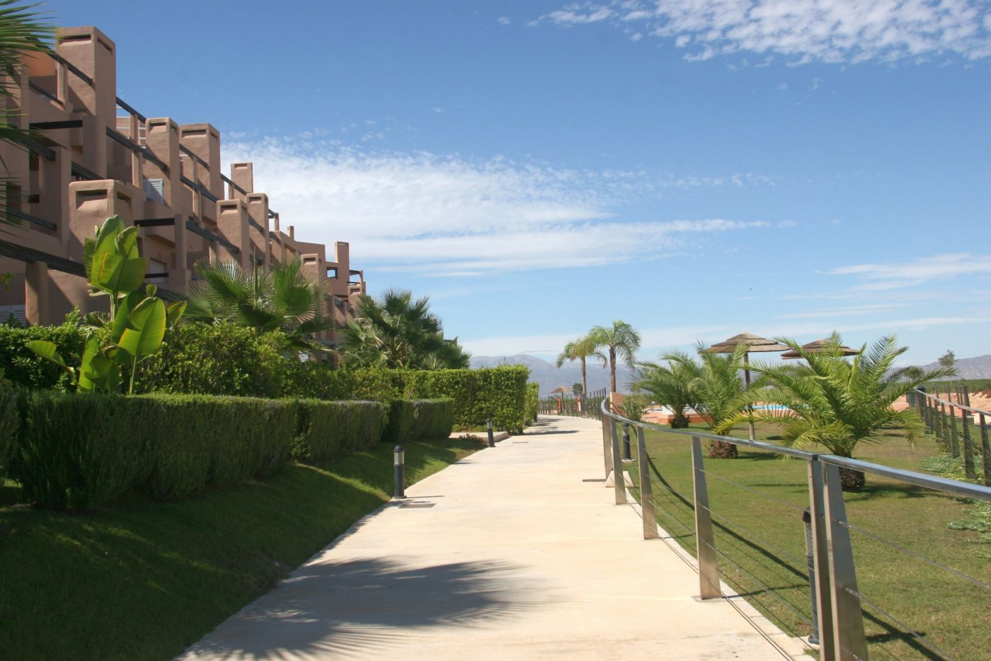 Gallery Image 27 of Bright and South-West facing 2 bedroom apartment in La Isla, with prime views and afternoon sun