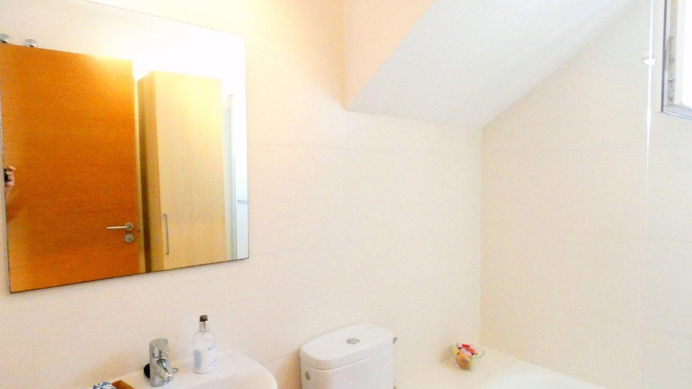 Gallery Image 20 of Precioso ático de esquina, 2 dormitorios, gran solarium privado con increíbles vistas panorámicas