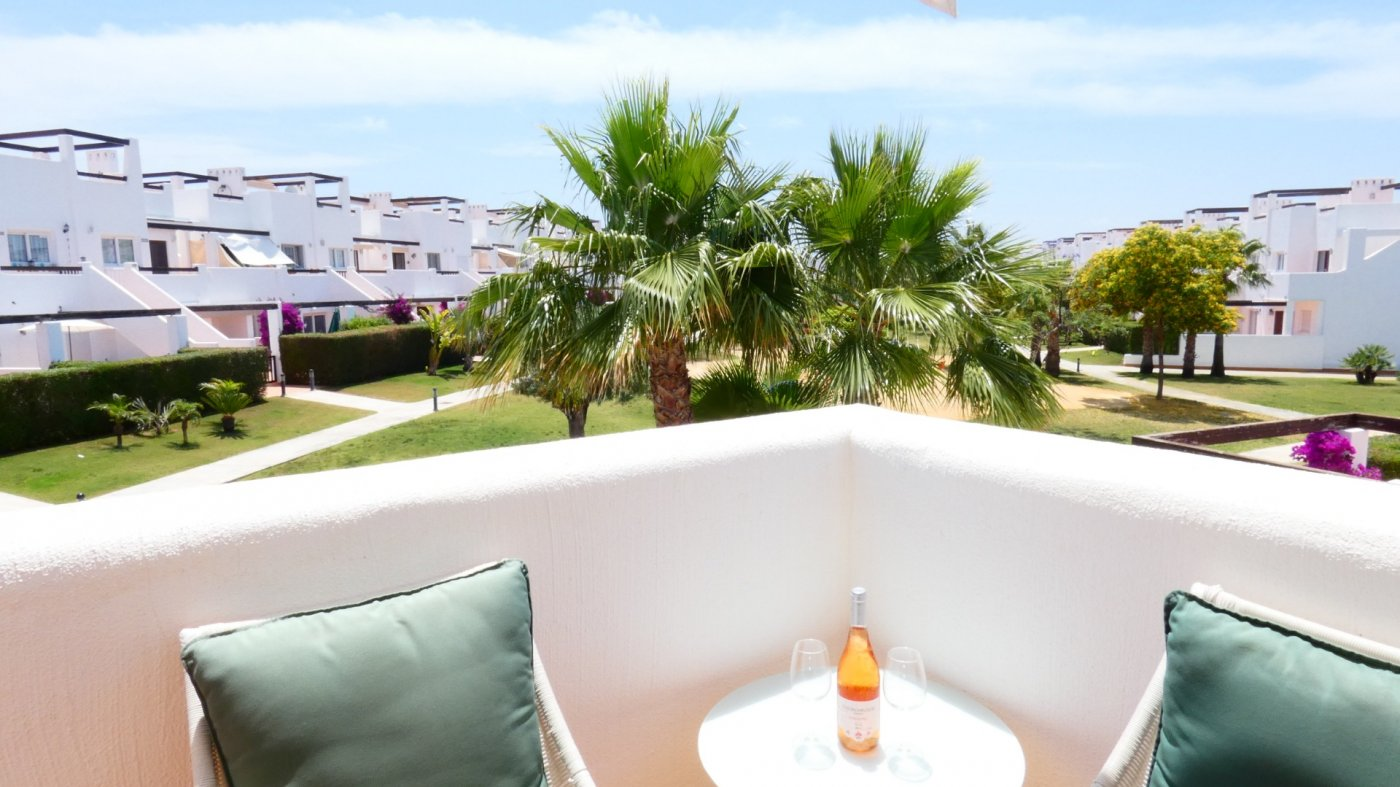 Imagen de la galería 4 of Precioso ático de esquina, 2 dormitorios, gran solarium privado con increíbles vistas panorámicas