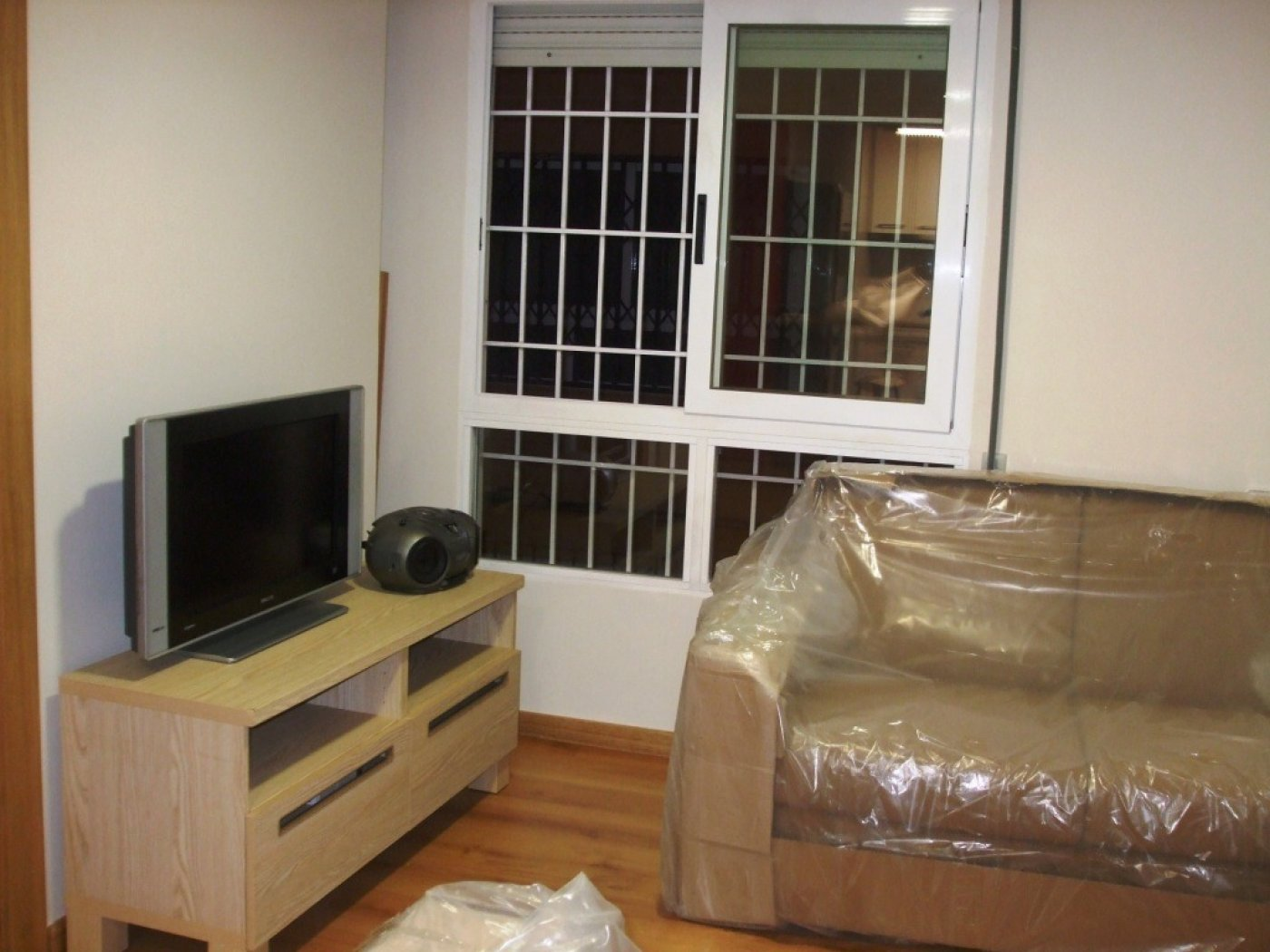 Gallery Image 3 of Flat For rent in Catedral, Murcia