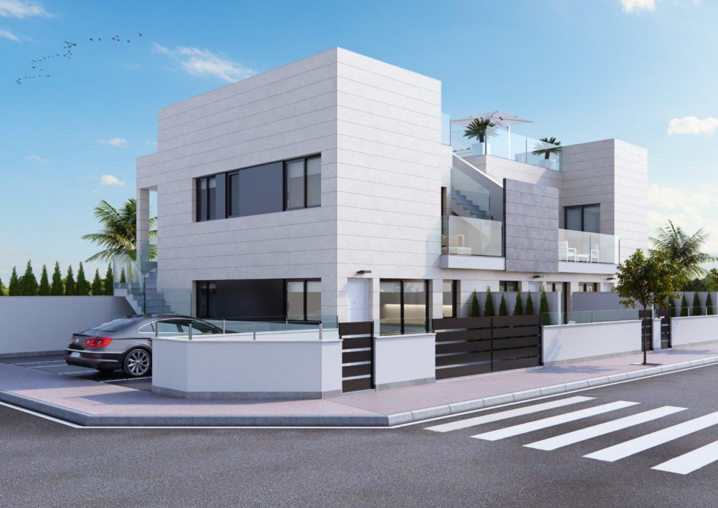 Galerijafbeelding 1 of Laatste begane grond appartement in El Mojón 70 meter van het strand