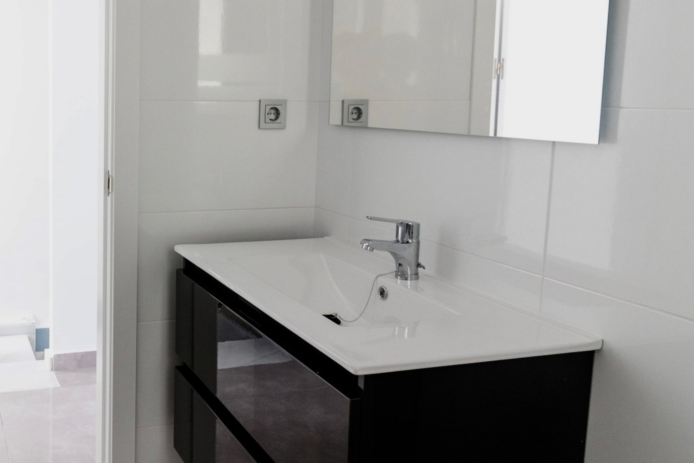 Gallery Image 12 of New build townhouse, bang in the middle of Los Alcazares with private pool and 500 m from the beach